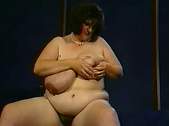 Sandy simms&#39 large,milky,mambos