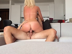 Golden-Haired makes selfie porn movie scene of herself and bf fucking