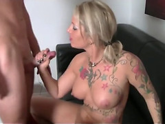Sexy mamma with large pantoons tempted her stepson