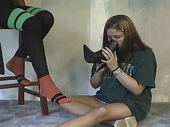Dark lesbo foot domination