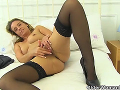 English mother i'd like to fuck kitty jizz fingers her fabulous fanny
