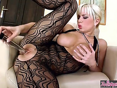 Breasty blond cindy dollar plays with her snatch solo twisty