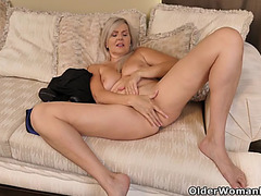 Canadian mother i'd like to fuck velvet skye finger copulates her enjoyable cum-hole