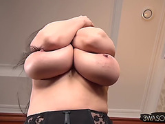 Ewa sonnet forearms squeezed