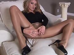 Sexy cutie masturbating her cum-hole in hose