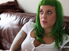 Green haired goth sweetheart with tattoos and piercings cums