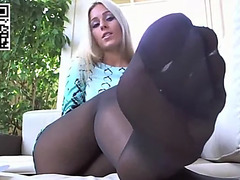 Hose feet toe widening sexy blond in stockings