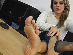 Feet w
