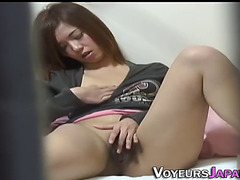 Oriental whore rubbing love tunnel