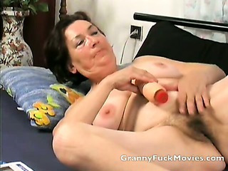 Porno Video of Granny Toying Her Fresh Shaved Slit