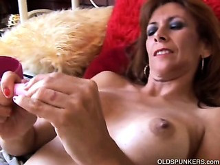 Porno Video of Gorgeous Mature Redhead Is Feeling Horny