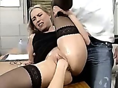Blonde gets fisted and gives head