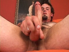 St8 beefy, hairy, pussy hound hunk takes my instructions. He jacks off and plays with his butthole.