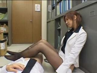Porno Video of Japanese Secretary Handjob/footjob In Pantyhose