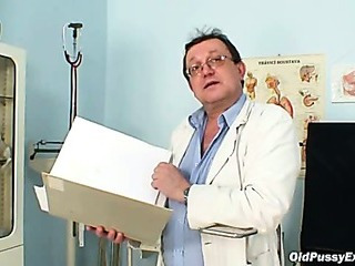 Sex Movie of Hairy Pussy Grandma Visits Pervy Woman Doctor