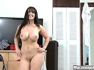 Porno Video of Mycollegerule Dorm Lesbians.p5
