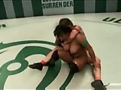 Black wrestler chick fucking white girl