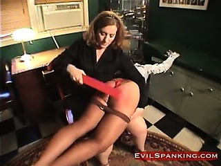 Sex Movie of Brutal Girl Gets Some Fun Spanking