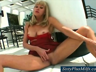Porno Video of Hot Mother In Law In The Garden