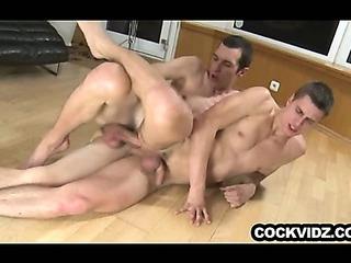 Porno Video of Big Dick Skinny Guy Barebacks Some Ass