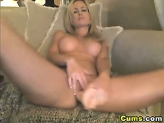 Moaner Blond Babe Orgasm HD