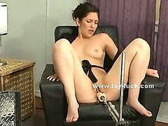 Horny babe drilled by fucking machine deep screaming of pleasure and loosing control