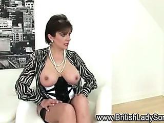 Porno Video of Mature Lingerie Slut Poses