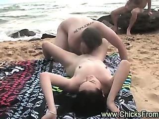 Porno Video of Australian Amateurs Have Sex On Public Beach