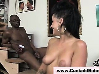 Porno Video of Cuckold Husband Takes Black Cumshot