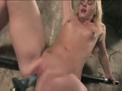 Babe fucked by crazy machines