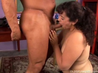 Porn Tube of Chubby Mature Amateur Loves To Fuck