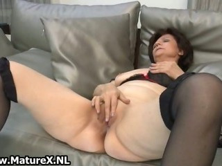 Porno Video of Mature Housewife In Sexy Stockings