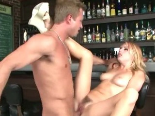 Porno Video of Glamour Sex In The Bar
