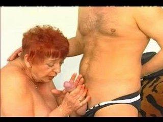 Porno Video of Granny Get Fisted.
