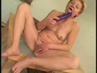 Porno Video of Granny Cleans Up Xlx