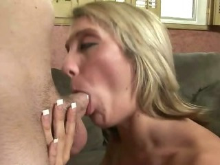 Porno Video of Amateur Blonde With Tattoo Having Sex