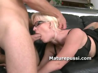 Porno Video of Young Cock Slides Inside The Mouth Of A Sexy Milf