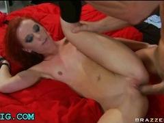 Teen babe likes big dick