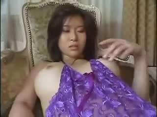Porno Video of Squirting Asian