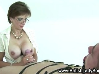 Porno Video of Mature Fetish Lady Sonia Gives Handjob