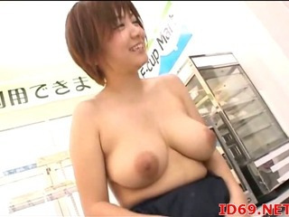 Porno Video of Japanese Av Model Gets Fingered