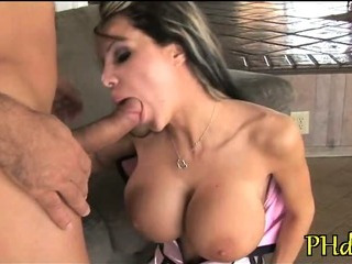 Porno Video of Fat Rod Enters Her Anal