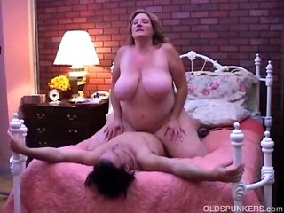 Porno Video of Beautiful Mature Bbw Loves To Fuck