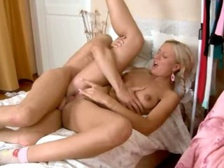 Porno Video of Pefect American Sex With Pink Nails