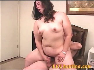 Porn Tube of Plumper Slut Giving Handjob